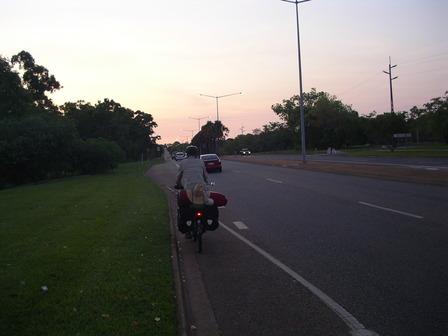 19.12.2006 - En direction du centre-ville. Darwin.