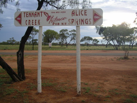 07.01.2007 - Pause à Aileron Roadhouse, au coeur de l'Outback.