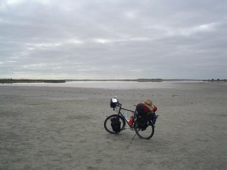 22.01.2007 - Dans l'immensité inhabitée du parc Coorong. Direction Meningie.