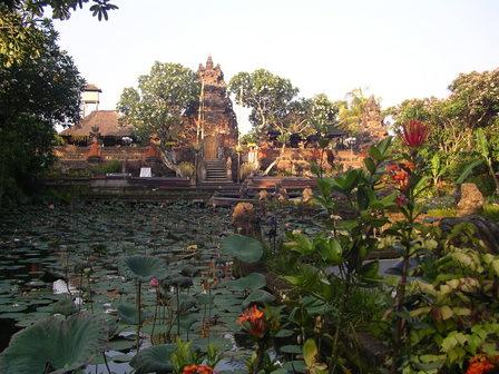 26.11.2006 - Lotus Café, Ubud, Bali.