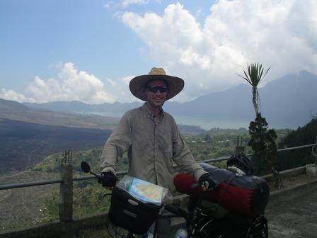 27.11.2006 - Arrivée au sommet du cratère. Volcan Batur, Bali.