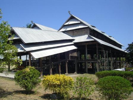 03.12.2006 - Dalam Loka, Sumbawa Besar. Sumbawa.