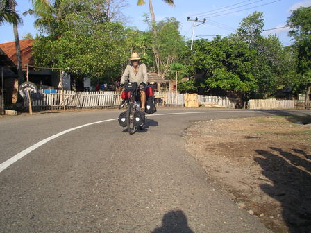 08.12.2006 - En direction de Bima. Sumbawa.