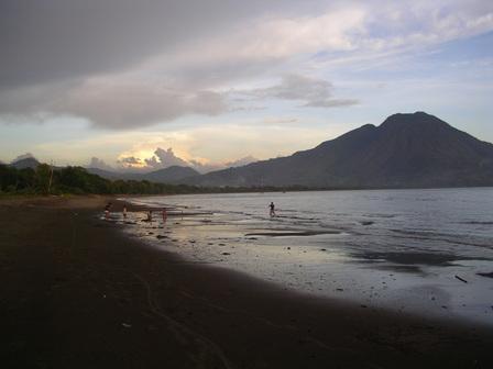 15.12.2006 - Cepi Watu Beach. Mborong, Flores.