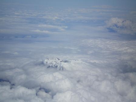 17.04.2007 - Survol du mont Kilimandjaro (5'895m).
