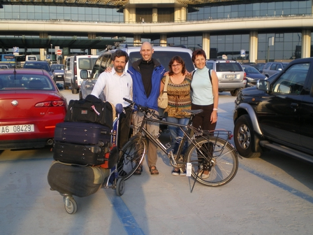 17.04.2007 - Avec Adriano, ma soeur et ma maman. Aéroport de Milan-Malpensa.