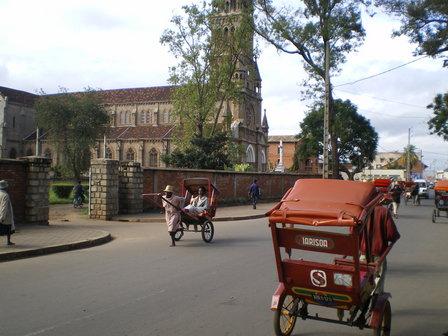 09.03.2007 - Les pousse-pousse d'Antsirabe.