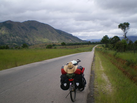 09.03.2007 - Sortie d'Antsirabe. Direction Ambositra.