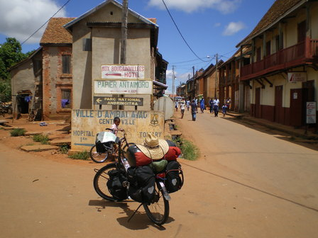 13.03.2007 - Arrivée au centre-ville d'Ambalavao.