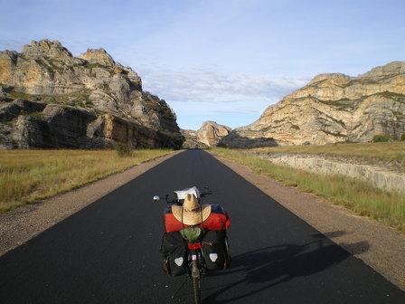 16.03.2007 - Parc national de l'Isalo. Direction Sakaraha.