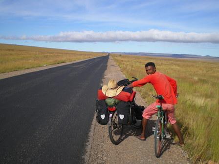 16.03.2007 - Mon compagnon de route à la sortie d'Ilakaka. Direction Sakaraha.