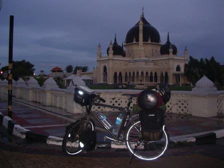 25.09.2006 - Masjid Zahir. Une des plus grandes mosquées de Malaisie. Alor Setar.