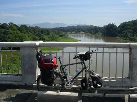 27.09.2006 - Sur la route qui mène à Ipoh.