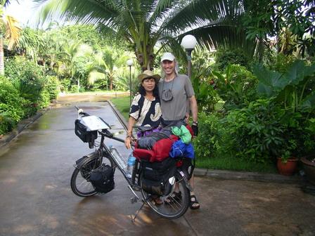 23.05.2006 - Thaïlande. Avec Phailin, au Palm Garden Lodge