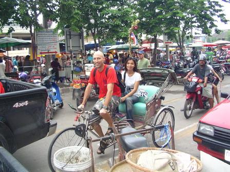 09.07.2006 - Phitsanulok. Je ne peux pas me passer du vélo...